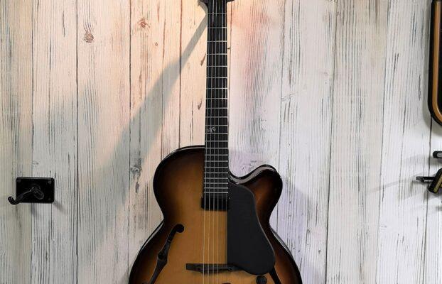 Landscape AR-101 Jazz guitar